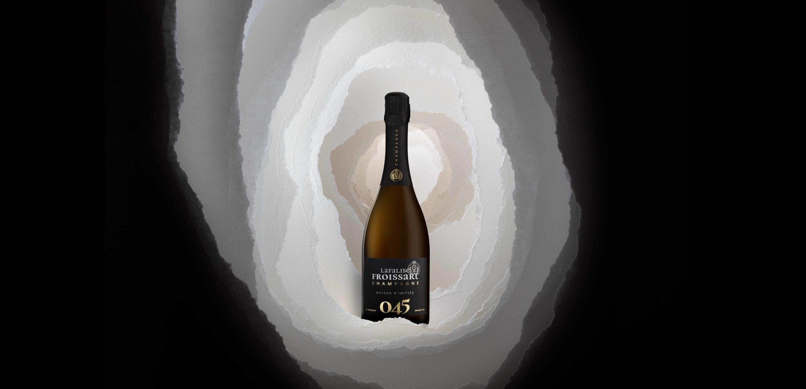 Packshot artistique cuvée 045 du Champagne Lafalise Froissart