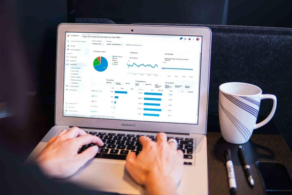 Définir une stratégie de vente en ligne est essentielle - Agence Discovery