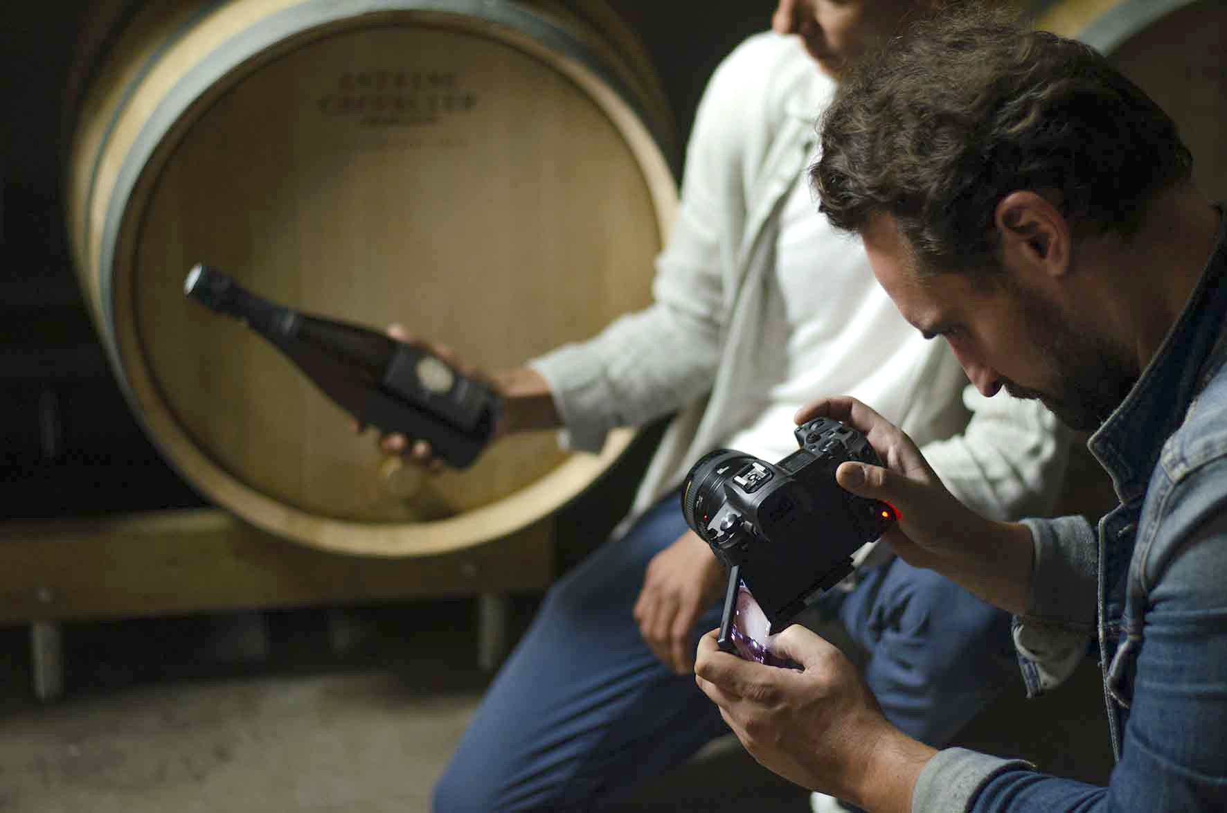 Reportage photo Champagne Antoine Chevalier en cuverie - Agence Discovery